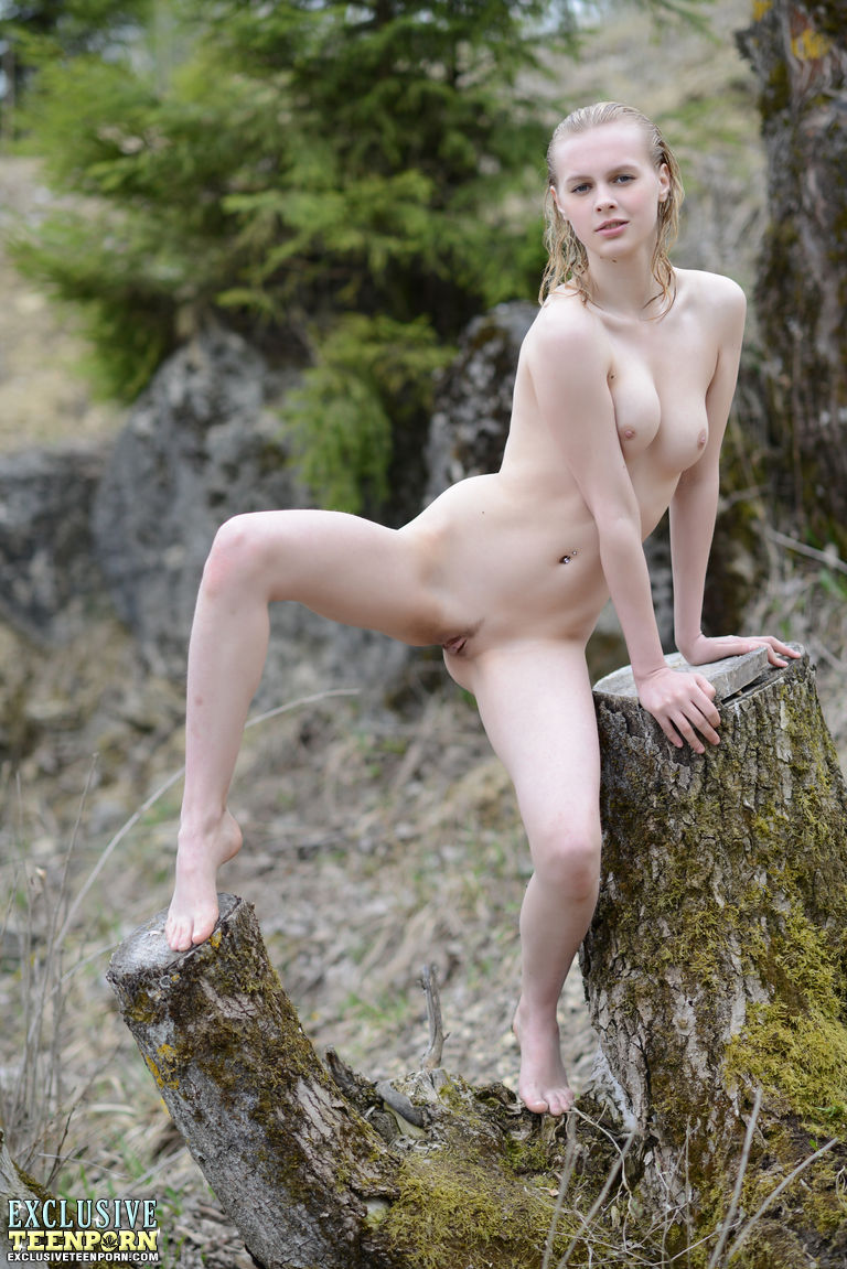 Nude art outdoor apologise