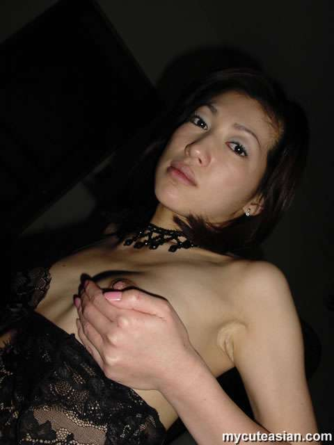 Sexy japanese wife strips and shows her nice mature body here
