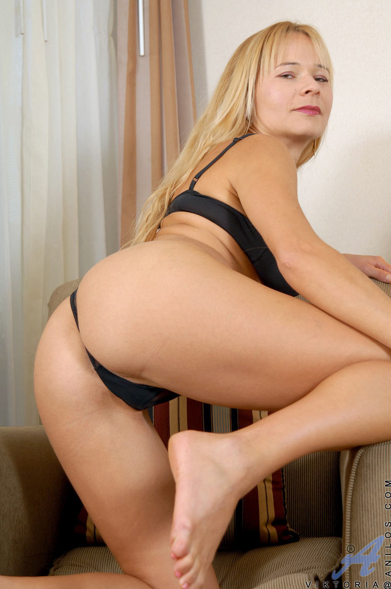 Mature thong sex