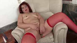 Amazing Chick Puts Huge Dildo in Her Shaved Twat on Camera