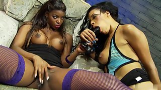 Bubble butt ebony babes seducing each other in lesbian sex