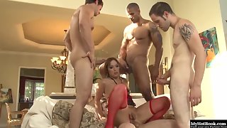 Naughty blonde tranny gets double penetrated in gangbang