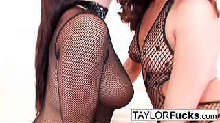 Sexiest Ladies Taylor Vixen and Gracie Glam Are Licked Their Twats