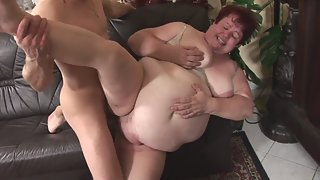 Short Hired BBW Took Dick in Her Mouth and Cunts for Deep Slammed
