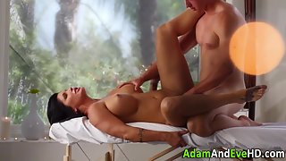 Big Tits Hot Brunette Babe Gets Nice Oil Massage and Gives Deep Blowjob