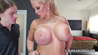 Round Ass Chick Alura Jenson Gets Hammered by Her Dude