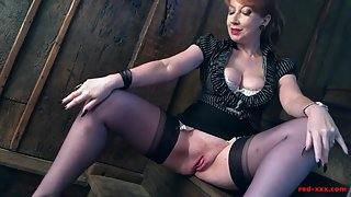 Stockings Wearing Chick Deeply Fingered Her Juicy Pussy