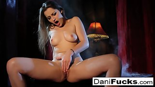 Sizzling Girl Dani Daniels Rubbed and Fingered Her Twat