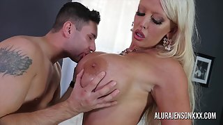 Huge Boobs Babe Alura Jenson Sucked Her Partner Big Cock