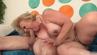 Fatty Lady Deepthroat Her Boyfriend Big Cock on Couch